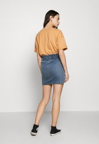 ONLY - ONLMILLIE MINI PAPER SKIRT - Falda vaquera - medium blue denim - 2