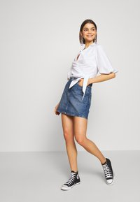 ONLY - ONLROSE LIFE ASHAPE SKIRT - Farkkuhame - medium blue denim - 1