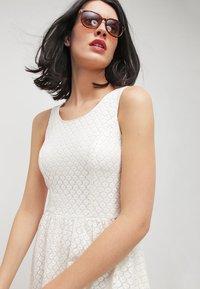 ONLY - ONLLINE  - Vestido informal - whisper white - 3