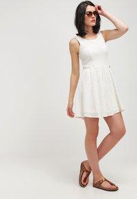ONLY - ONLLINE  - Vestido informal - whisper white - 1