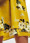 ONLY - MYRINA - Vestito estivo - vibrant yellow