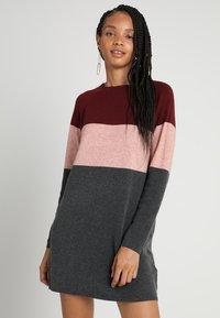 ONLY - NEW BLOCK DRESS - Jumper dress - chocolate truffle/w. misty rose mel - 0