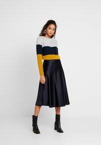 ONLY - NEW BLOCK DRESS - Jumper dress - chai tea/night sky - 1