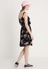 ONLY - ONLKARMEN SHORT DRESS - Korte jurk - black - 3