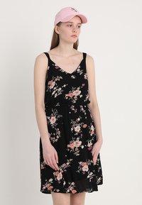 ONLY - ONLKARMEN SHORT DRESS - Korte jurk - black - 0