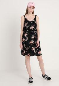ONLY - ONLKARMEN SHORT DRESS - Korte jurk - black - 2