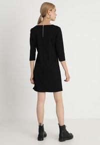 ONLY - ONLBRILLIANT 3/4 DRESS  - Trikoomekko - black - 2