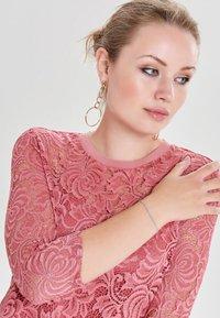 ONLY - ONLDAMIAN DRESS - Sukienka koktajlowa - bordeaux - 3