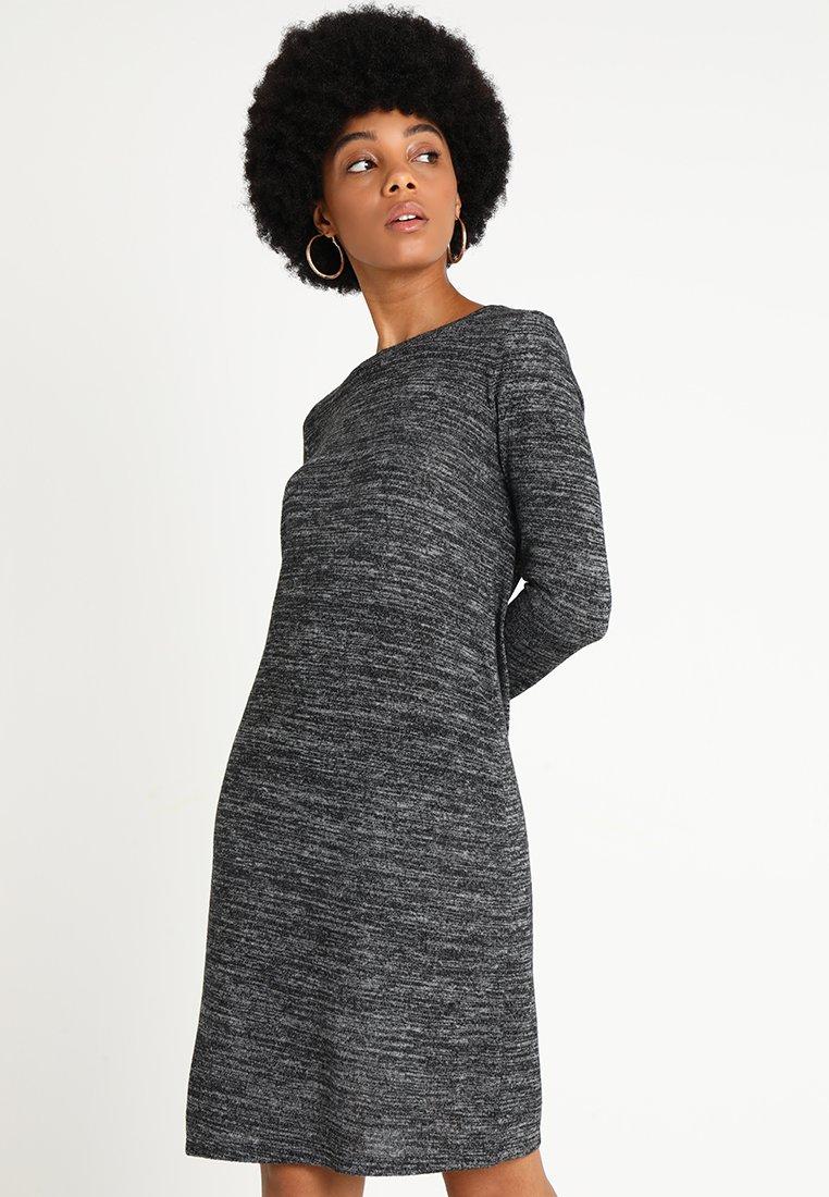 ONLY - ONLBILLA DRESS - Strickkleid - dark grey melange