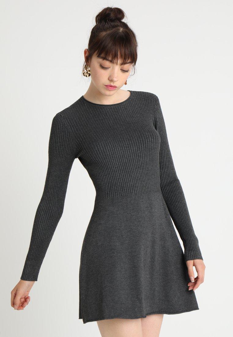 ONLY - ONLASTANA DRESS - Strikkjoler - dark grey melange