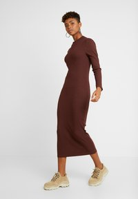 ONLY - ONLELLEN LONG DRESS  - Etuikjole - bitter chocolate - 0