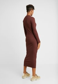 ONLY - ONLELLEN LONG DRESS  - Etuikjole - bitter chocolate - 3
