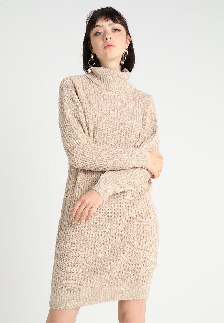 ONLY - ONLVEGA ROLLNECK DRESS - Strickkleid - sand melange