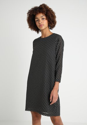 ONLFPAIGE LIFE 7/8 ABOVE KNEE DRESS - Denní šaty - black