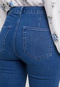 ONLY - ONLRISK HI-RISE BOX - Jeansy Skinny Fit - medium blue denim - 5