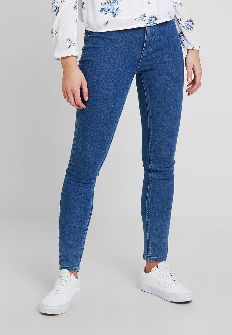 ONLY - ONLRISK HI-RISE BOX - Jeansy Skinny Fit - medium blue denim