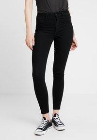 ONLY - ONLRISK HI-RISE BOX - Jeans Skinny Fit - black denim - 0