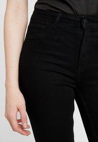 ONLY - ONLRISK HI-RISE BOX - Jeans Skinny Fit - black denim - 4