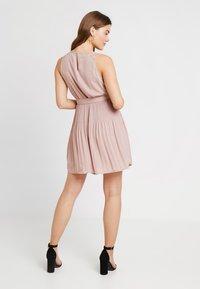 ONLY - ONLCAROLINA DRESS - Blousejurk - adobe rose - 0