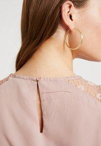 ONLY - ONLCAROLINA DRESS - Blousejurk - adobe rose - 6