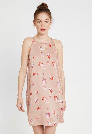 Denní šaty - adobe rose