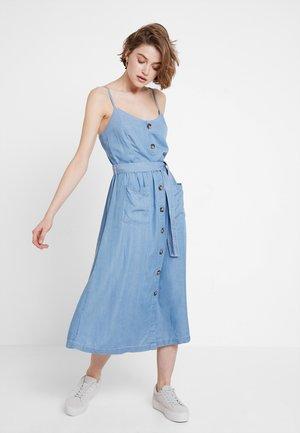 ONLWANDA STRAP DRESS - Denim dress - light blue denim