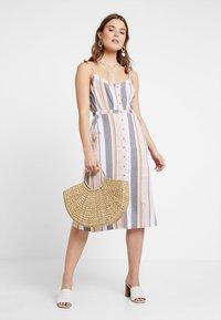 ONLY - ONLVIDA STRIPED DRESS - Blusenkleid - cameo rose - 2