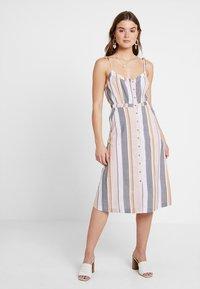 ONLY - ONLVIDA STRIPED DRESS - Blusenkleid - cameo rose - 3