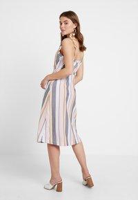 ONLY - ONLVIDA STRIPED DRESS - Blusenkleid - cameo rose - 0