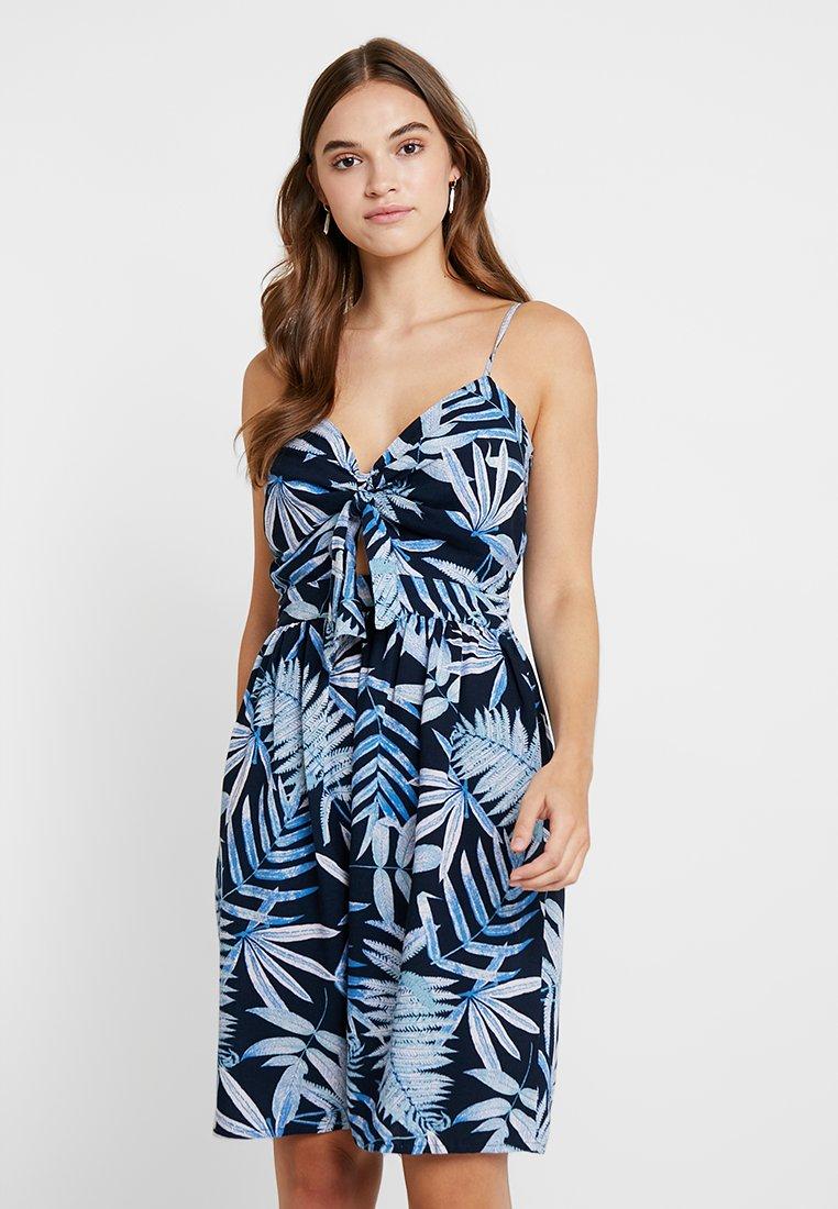 ONLY - ONLAMALIA STRAP DRESS - Freizeitkleid - insignia blue/summer tropic