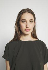 ONLY - ONLMARIANA MYRINA DRESS - Korte jurk - peat - 3