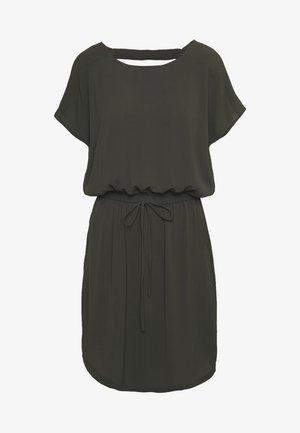 ONLMARIANA MYRINA DRESS - Kjole - peat