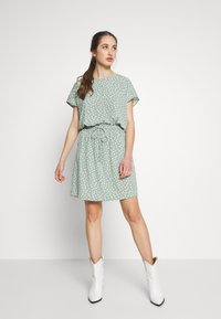 ONLY - ONLMARIANA MYRINA DRESS - Korte jurk - chinois green - 0