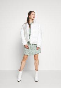 ONLY - ONLMARIANA MYRINA DRESS - Korte jurk - chinois green - 1