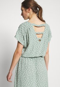 ONLY - ONLMARIANA MYRINA DRESS - Kjole - chinois green - 3