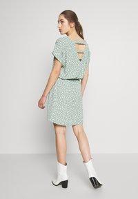 ONLY - ONLMARIANA MYRINA DRESS - Korte jurk - chinois green - 2