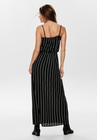 ONLY - ONLWINNER - Maxi-jurk - black