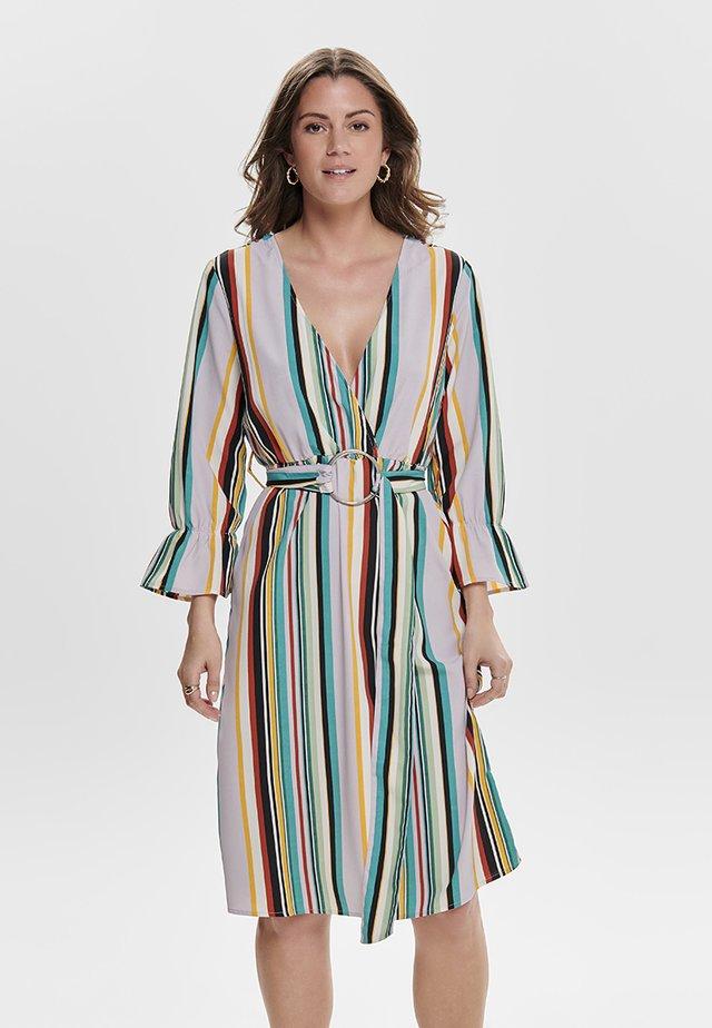 Vestido camisero - lavender fog