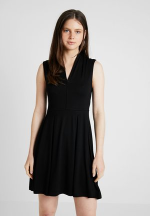 ONLBELSY DRESS - Jerseykjoler - black