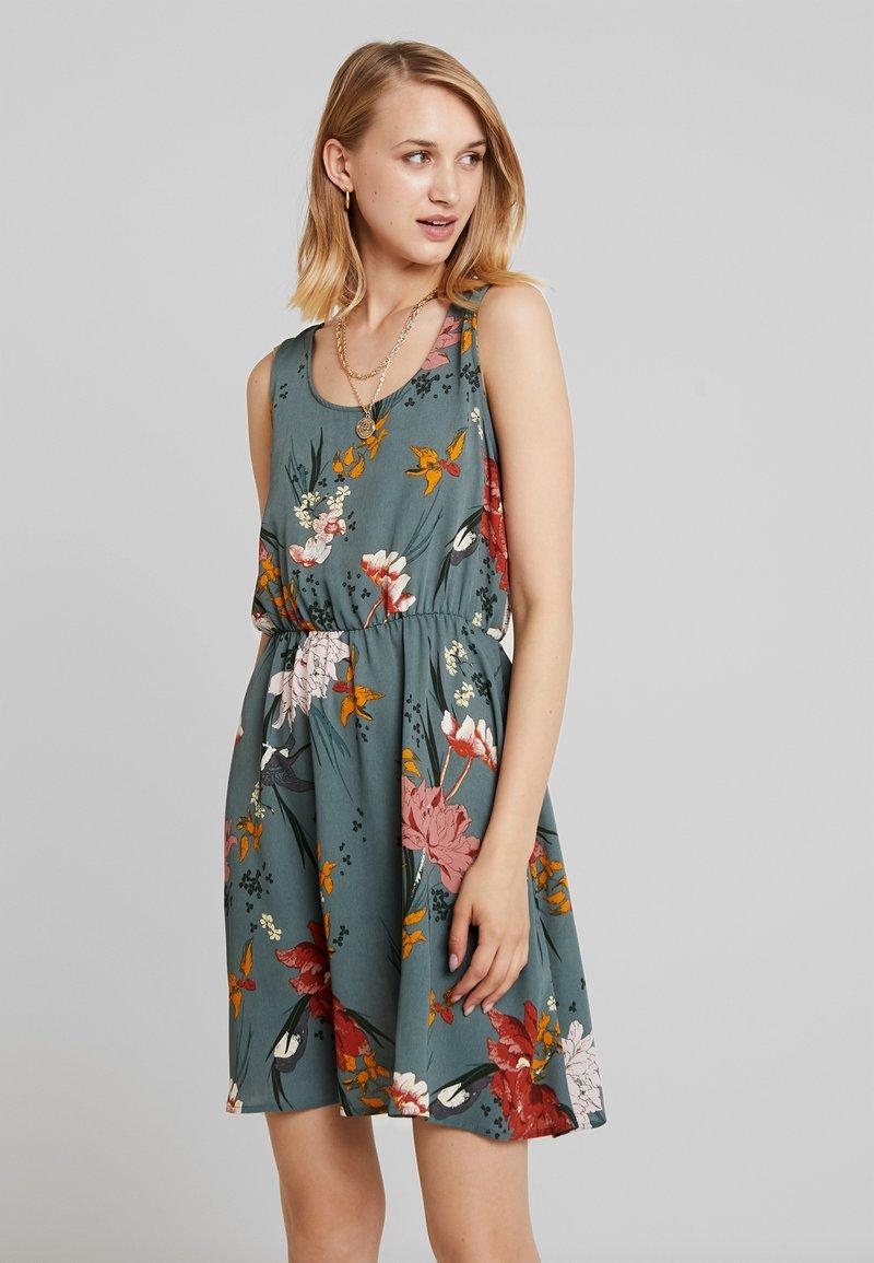 ONLY - ONLELEONORA  DRESS - Denní šaty - balsam green