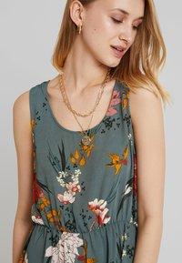 ONLY - ONLELEONORA  DRESS - Denní šaty - balsam green - 5