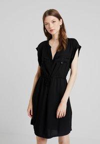 ONLY - ONYROSSA SHORT DRESS - Vestito estivo - black - 0