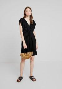 ONLY - ONYROSSA SHORT DRESS - Vestito estivo - black - 2