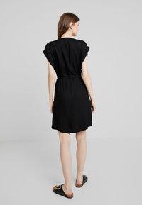 ONLY - ONYROSSA SHORT DRESS - Vestito estivo - black - 3