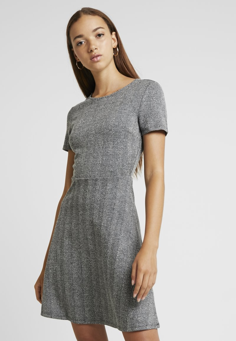 ONLY - ONLFLIFE DRESS - Jerseyjurk - dark grey melange/moonbeam