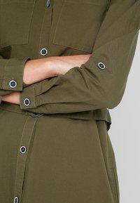 ONLY - ONLNICKI  - Košilové šaty - beech - 4