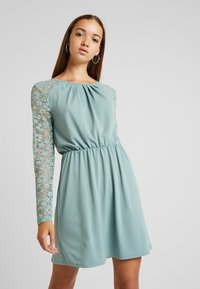ONLY - ONLHANOVER O NECK DRESS - Jerseyjurk - chinois green - 0