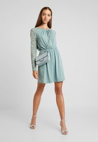ONLY - ONLHANOVER O NECK DRESS - Jerseyjurk - chinois green - 2