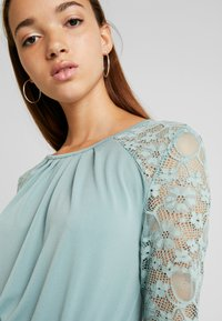 ONLY - ONLHANOVER O NECK DRESS - Jerseyjurk - chinois green - 4