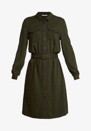 ONLLEA CARGO DRESS - Skjortekjole - kalamata